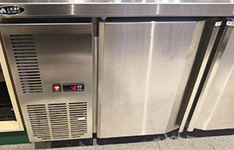 深圳竞博jbo安卓案例:北京餐厅—操作台冷柜